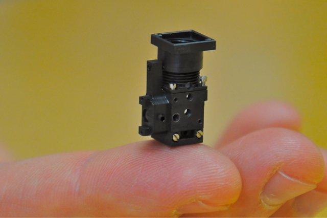 Самый миниатюрный микроскоп на планете