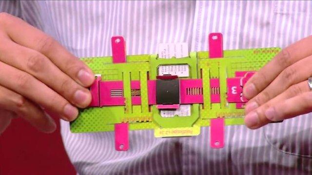 Сбербанк подарит школьникам бумажные микроскопы