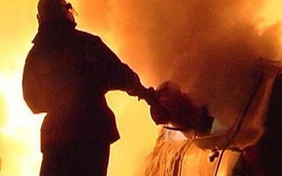 В Чайковичах ночью сгорела легковая машина
