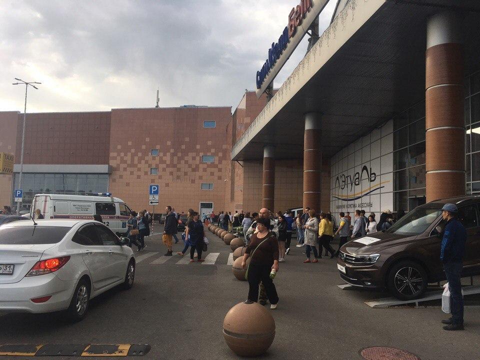«Больше сил нет». Как магазины и рестораны белгородского «Сити Молла» пережили три эвакуации за неделю
