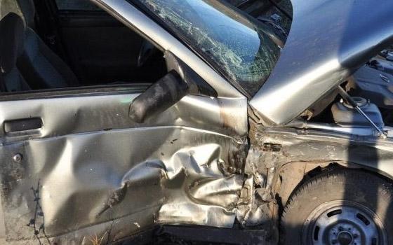 В Дятьковском районе «ВАЗ» вылетел с дороги: ранены трое