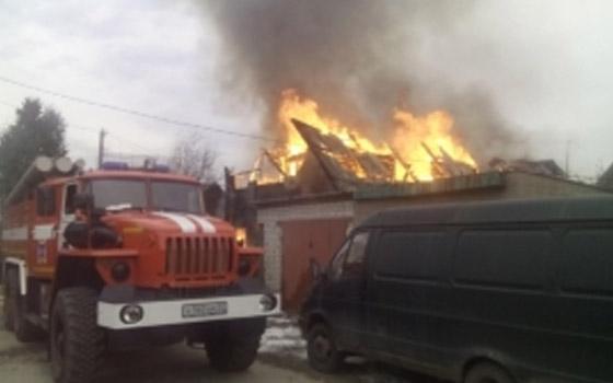 В Фокинском районе Брянска горел двухэтажный дом