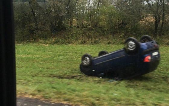 После аварии на трассе Брянск – Смоленск три машины вылетели в кювет
