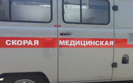 В Брянске пенсионерка выпала из машины скорой на дорогу