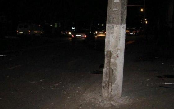 На Литейной в Брянске водитель Nissan влетел в столб