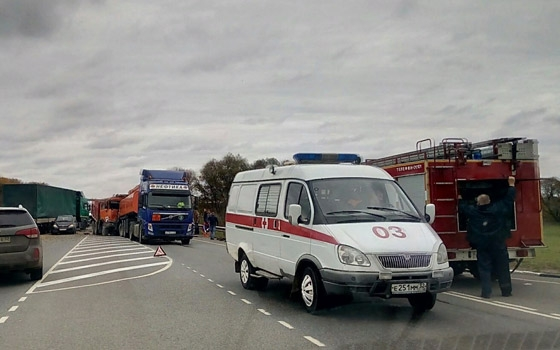 Грузовик и бензовоз столкнулись под Брянском
