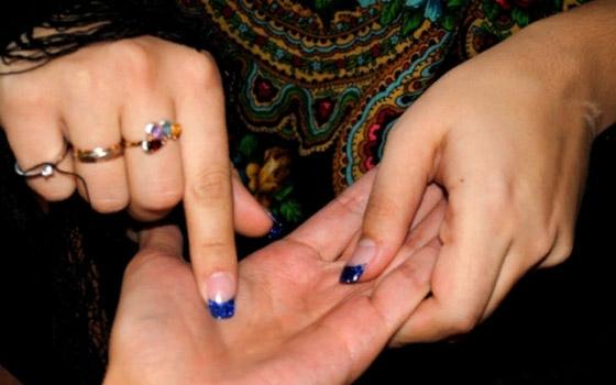 В Брянске школьница озолотила гадалку, чтобы снять с семьи проклятье