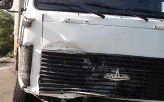 У АЗС под Брянском водитель Mitsubishi въехал в «МАЗ»