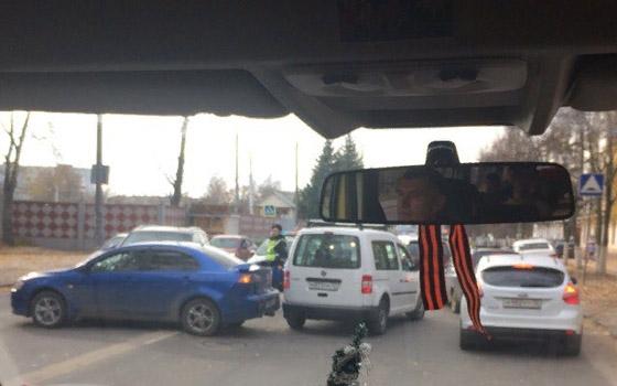 У БГИТУ в Брянске столкнулись три машины