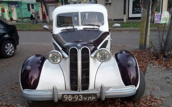 «Какая классная»: в Брянске заметили раритетный BMW