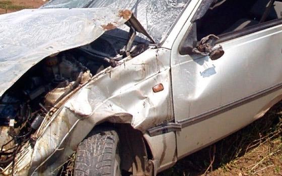 Под Брянском Nexia врезалась в дерево: у водителя травматический шок