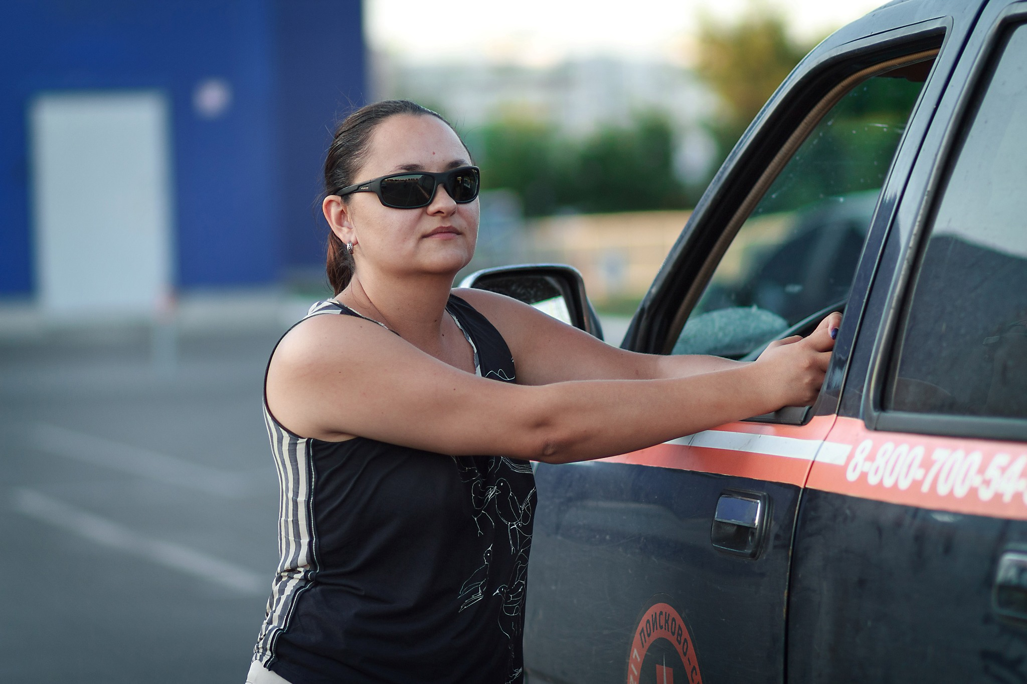 Женщина и машина.  Почему инструктор по безопасному вождению считает, что её невозможно обогнать