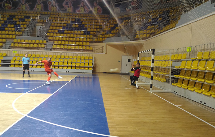 Вратарь вологодского «Куража» принес своей команде мини-футбольный суперкубок