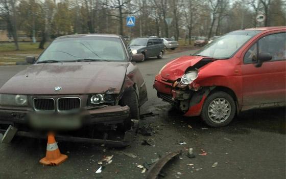 На Пушкина в Брянске столкнулись BMW и Matiz