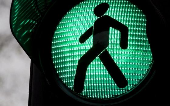 В Почепе переходившая дорогу женщина погибла под колесами фуры