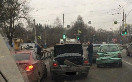 На Калинина в Брянске произошло массовое ДТП