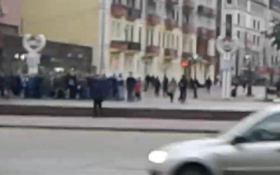 Футбольные фанаты устроили потасовку в центре Брянска