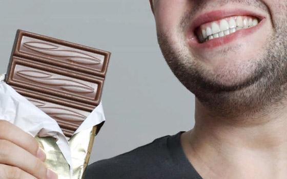 Брянец украл и съел 100 плиток шоколада