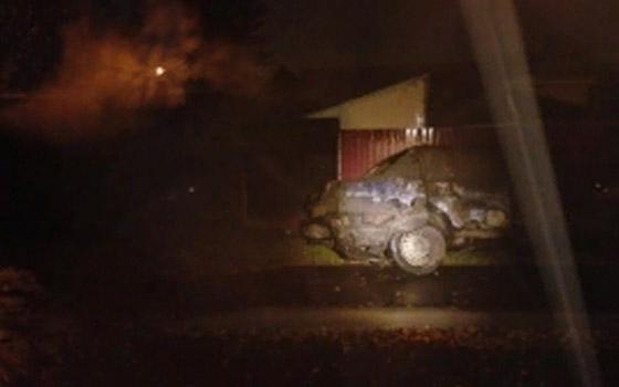 В Володарском районе Брянска сгорел гараж с двумя машинами