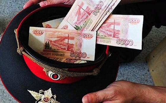 За взятку инспекторам спецвзвода ДПС брянец заплатит 200 тысяч рублей