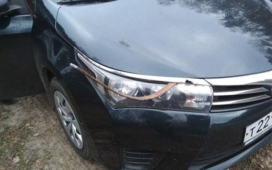На брянской трассе в Toyota «прилетела» арматура