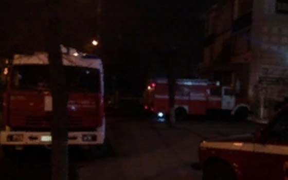 На Ульянова в Брянске почти час тушили ковры в подвале