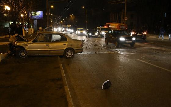 Две машины столкнулись в Бежицком районе Брянска: есть пострадавшие