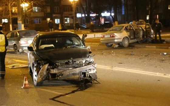 Три человека ранены в ДТП с Ford Mondeo и Iran Khodro Samand в Брянске