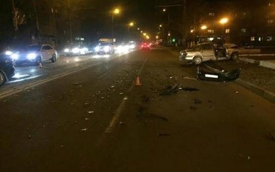 Водитель Iran Khodro Samand сломал грудину в ДТП в Брянске