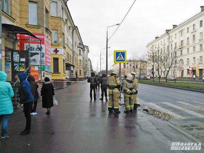 В Череповце телефонные террористы «заминировали» банк