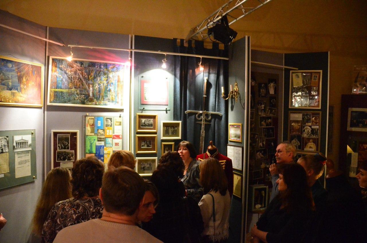 «За матюками — на рынок, у нас нравственный театр». Как в Белгородском драмтеатре прошла «Ночь искусств»