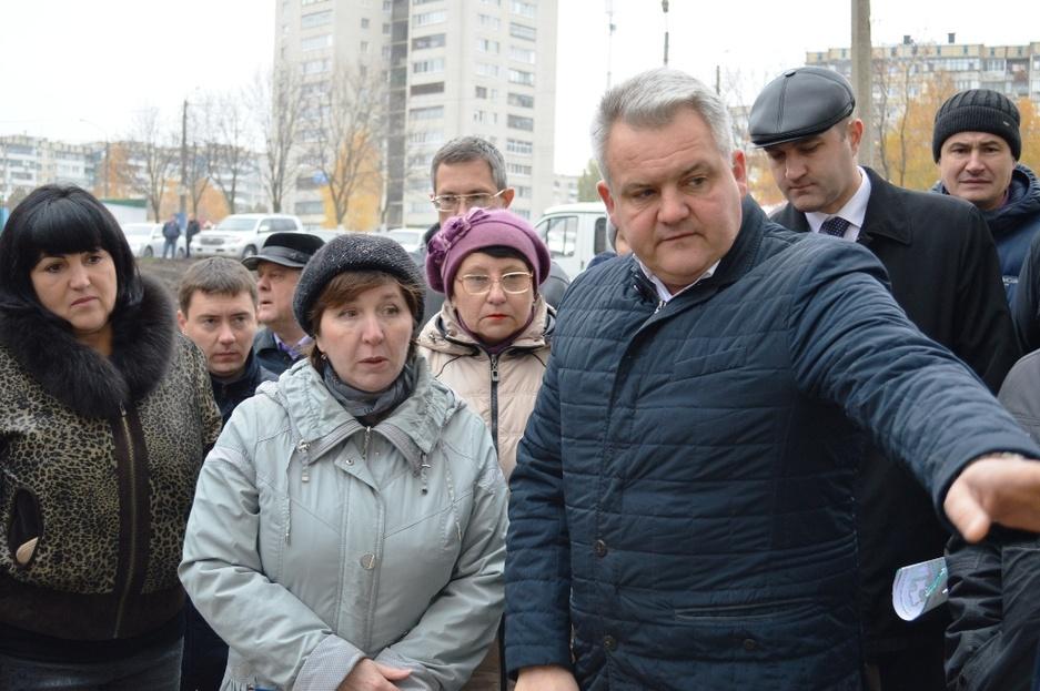 «Людям сразу всё подавай». Как в Белгороде ремонтируют и благоустраивают дворы