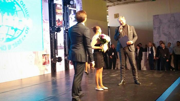 Валдис Пельш вручил вологодскому экскурсоводу диплом «Лучший гид России»