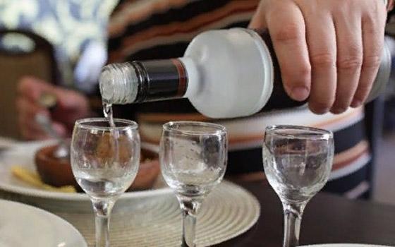В Брянске супруги лишились 165 тысяч, за выпивку пустив на ночлег незнакомца